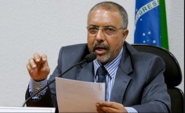 Senador Paulo Paim (PT-RS), autor da proposta de lei de regulamentação da profissão de historiador. (Imagem: Agência Senado)