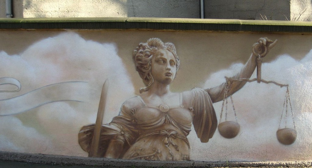 A Justiça, em mural em Halle, na Alemanha. Imagem: Ralf Lotys/Reprodução Creative Commons