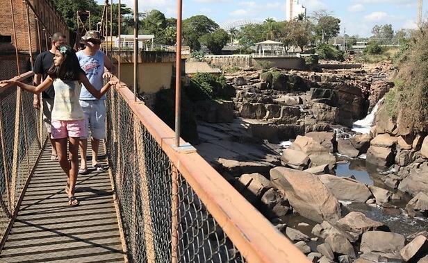 Rio do Peixe, em Socorro (SP), atingido pela seca. Imagem: Luiz Carlos Murauskas/FolhaPress