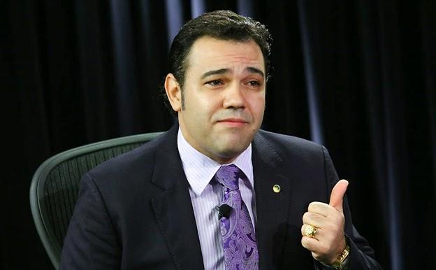 O deputado federal Pastor Marco Feliciano (PSC-SP), autor de projeto de lei que propõe ensino de criacionismo nas escolas brasileiras. Imagem: Alan Marques/Folhapress