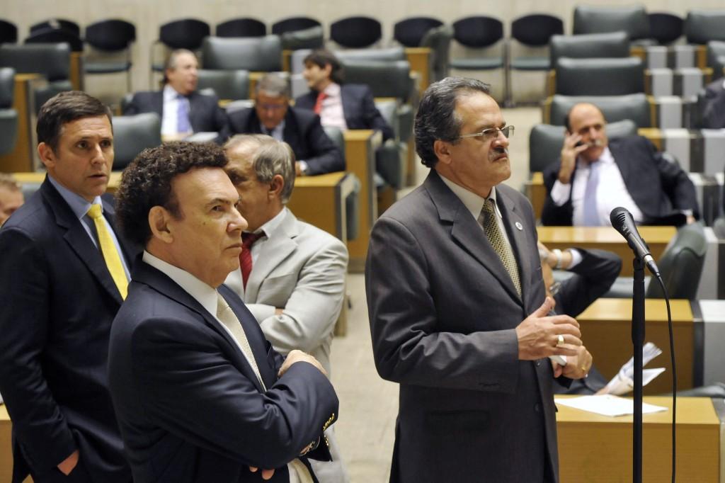 Deputados Fernando Capez, Roque Barbiere, Campos Machado e José Bittencourt, na votação em 10.nov. Imagem: Vera Massaro/Alesp/Divulgação