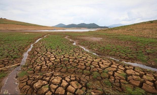 Represa do Jaguari-Jacareí, em Bragança Paulista que faz parte do sistema Cantareira. Imagem: Zanone Fraissat/Folhapress