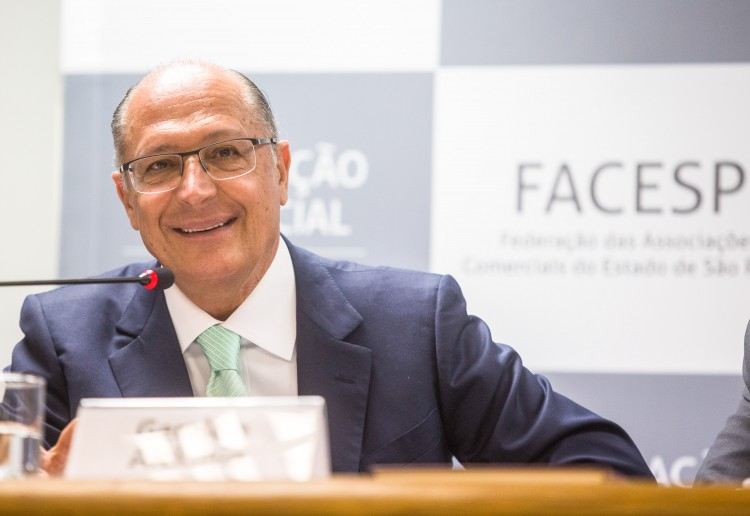 O governador de São Paulo, Geraldo Alckmin, na Associação Comercial de São Paulo, onde fala sobre a situação do abastecimento de água. Imagem: Eduardo Saraiva/A2IMG/Divulgação